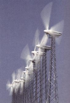 Die (theoretische) Leistung P einer Windkraftanlage hängt von der Windgeschwindigkeit v ab und kann mit P(v)=0,25v3; v > 0 berechnet werden. (Grafik A330101 im Aufgabensatz 1 Blatt 3/3 Expert zu Ganzrationalen Funktionen in den Funktionsklassen Bild 1/© by www.fit-in-mathe-online.de)