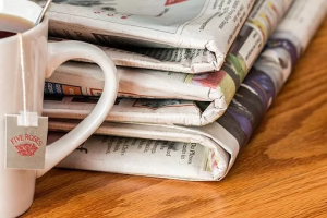 Für die Tageszeitung wird einschließlich Zustellgebühr 18,60 € im Monat verlangt. Um wie viel Prozent wurde der Preis der Tageszeitung von 15,50 € wegen der Zustellgebühr erhöht? (Grafik A220901 im Aufgabensatz 9 Blatt 2/2 Fortgeschritten zum Prozentsatz in der Prozentrechnung/© by www.fit-in-mathe-online.de)